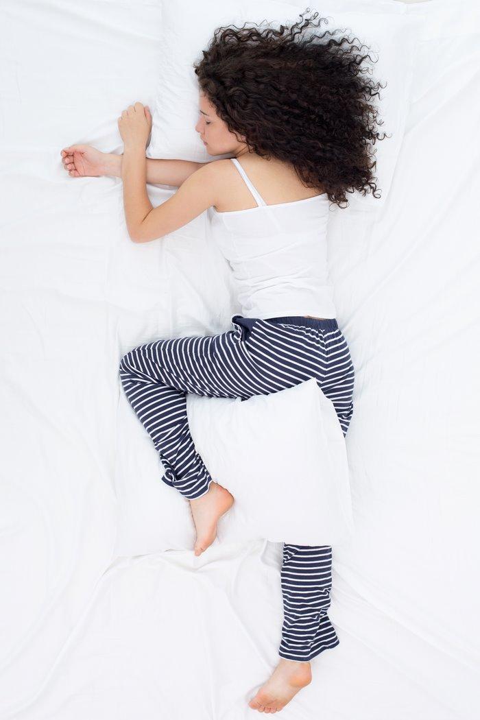 Qué significan las posturas al dormir: la posición del soñador