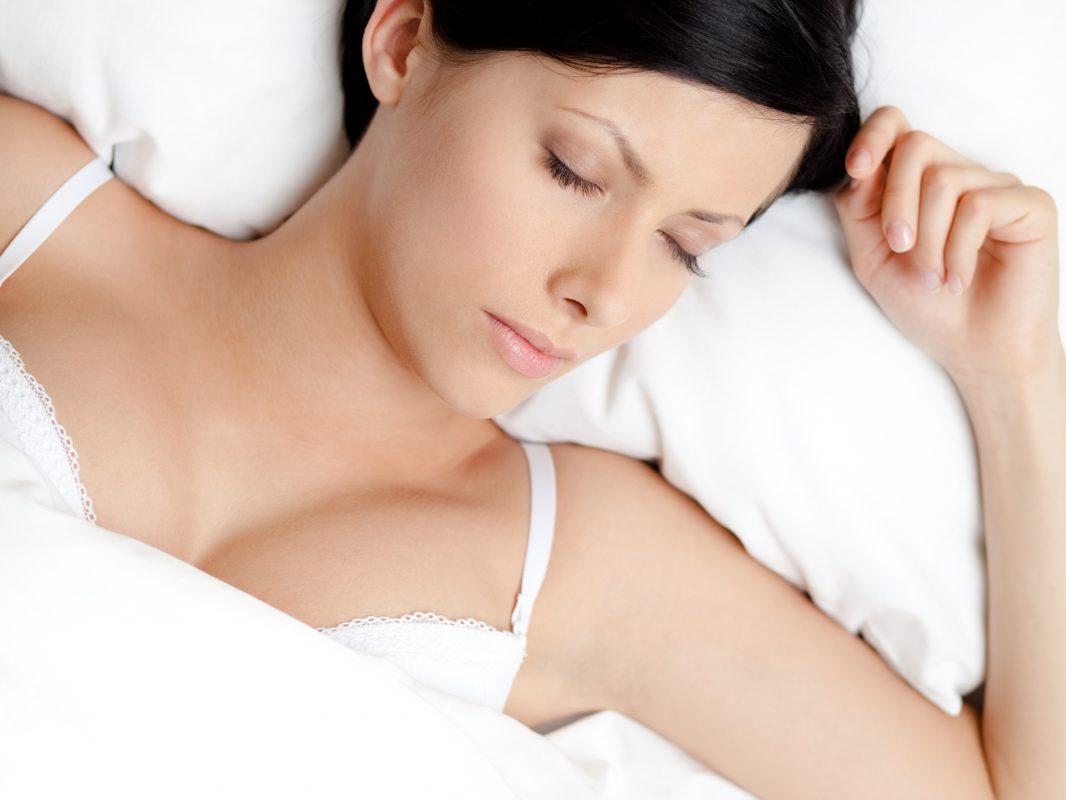 Es malo dormir con sujetador?
