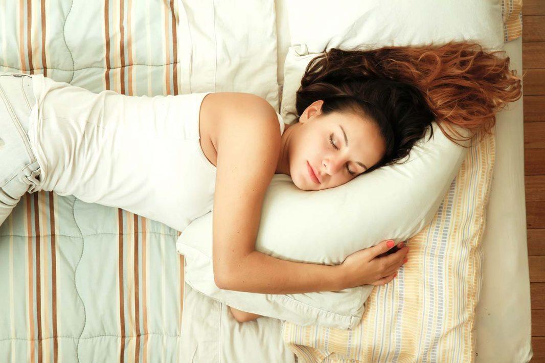 Perjuicios de dormir con sujetador