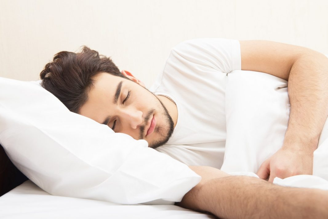 Ventajas de dormir de lado