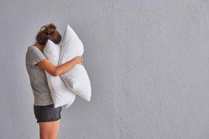 Dormir sin almohada ¿Es bueno o malo?